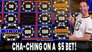 • 30 Minutes of Electrifying Slot Play Wins • • CHA-CHING!