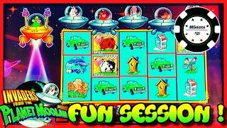•Invaders Return From The Planet Moolah • Long Fun Session Slot Machine •