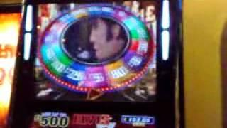 Elvis Top 20 Fruit Machine Gold Disc Feature 3