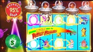 Invaders Return from the Planet Moolah 95% slot machine #3