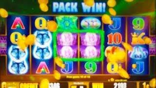 Aristocrat's Wolf Moon Slot Machine - Wolf Pack Win