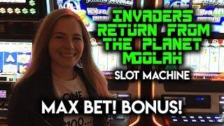 MAX BET BONUS! Invaders Return From The Planet Moolah Slot Machine!