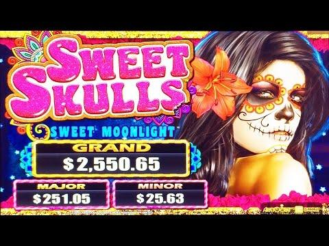 Sweet Skulls Sweet Moonlight slot machine, DBG