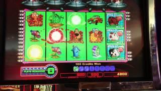 Invaders from the Planet Moolah Bonus Round Win!