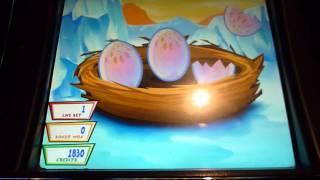 Lucky Lemmings Slot Machine Bonus Win (queenslots)