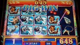 Sabertooth Slot Machine Bonus - 8 Free Games Win with Super Nudging Stacked Wilds