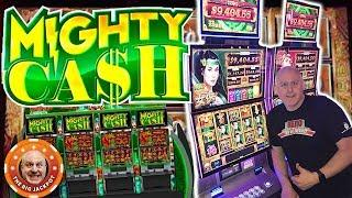 SO MANY FREE GAMES! •Mighty Cash Bonus Feature JACKPOT! •| The Big Jackpot