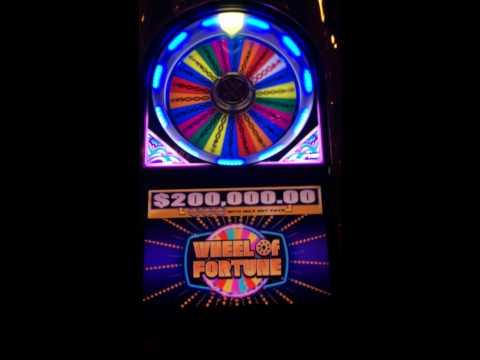 wheel of fortune slot machine online hold your horses