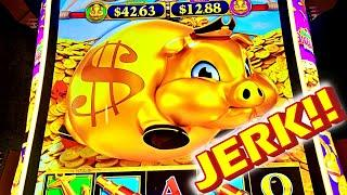 THIS WILL HURT TO WATCH!!! * THE NEW RAKIN BACON DELUXE!!! - New Las Vegas Casino Slot Machine Bonus