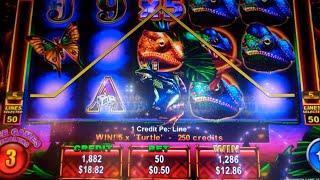 King Chameleon Slot Machine Bonus + Retriggers - 18 Free Games Win with Stacked Wilds + Multipliers