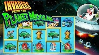 Invaders from the Planet Moolah Online Slot from Scientific Games