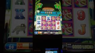Big win bonus! Flippin Wild $5 Max Bet Huge WIN!! Fun Slot Game! WV Hollywood Casino