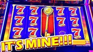 I TOOK HER MONEY!!!! * FIST BUMPS IN MY LIFE!!!! - Las Vegas Casino Slot Machine Bonus Games Win