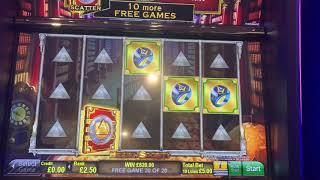 Hidden Society £5 max bet bonus with re-triggers and a big win!