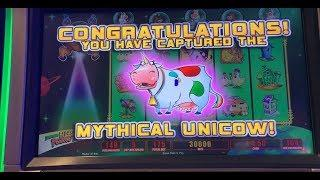 •GIANT WIN• I caught the Unicow in the bonus! Invaders Return from the Planet Moolah slot