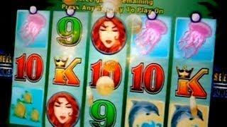 Queen of Atlantis - Bonus&Big Win on Aristocrat 2c Slots