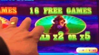 Aristocrat's Buffalo Deluxe Slot Machine - Trying For Big Win W/ 16 Free Spins At X5 Bonus