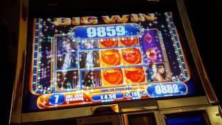 Vampires Embrace 25 Spin Bonus - SUPER WIN
