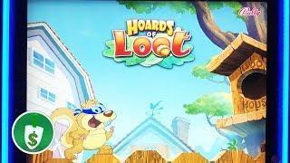 •  Hoards of Loot slot machine, Acorn bonus