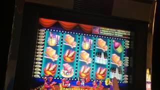LIVE PLAY on Live Lobsters Dancing Nightly Slot Machine with Bonuses and Big Win!!! Part 1